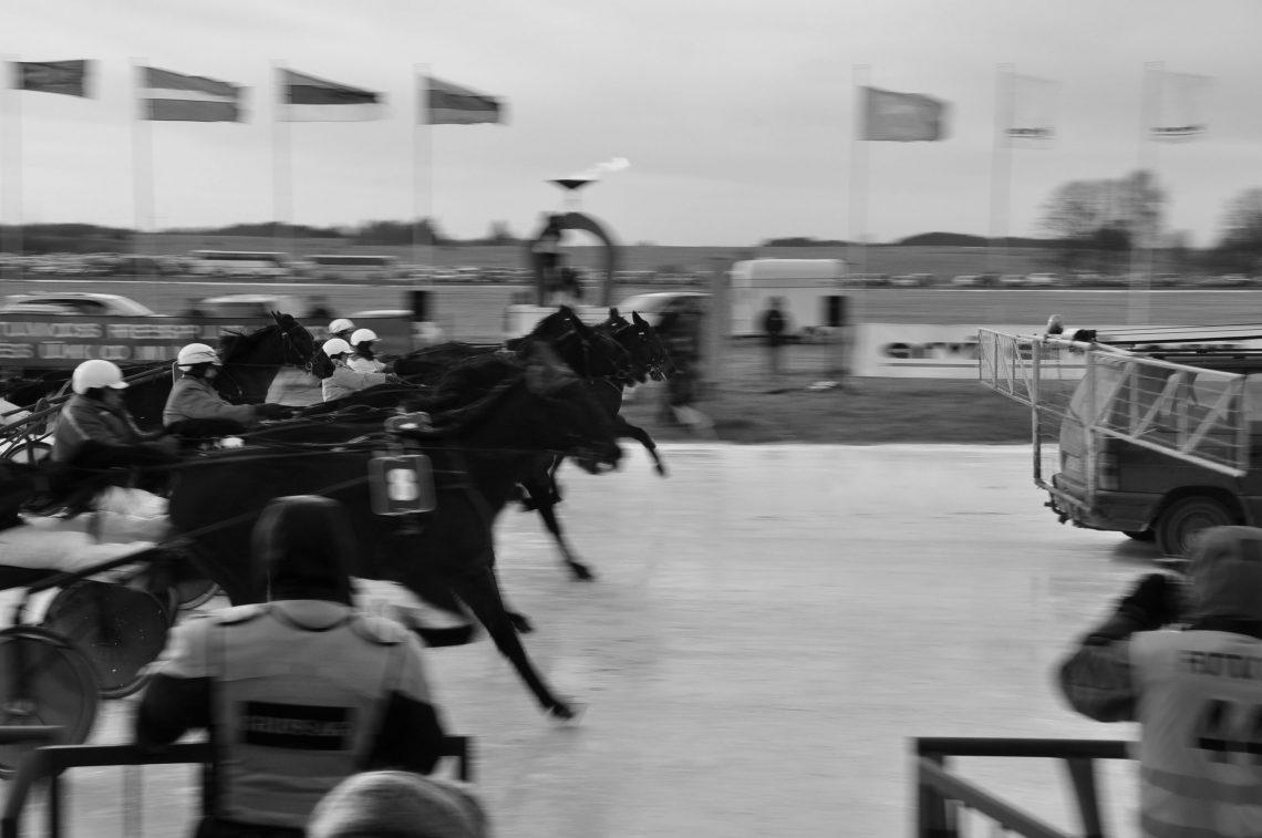 Žirgų lenktynės Sartuose