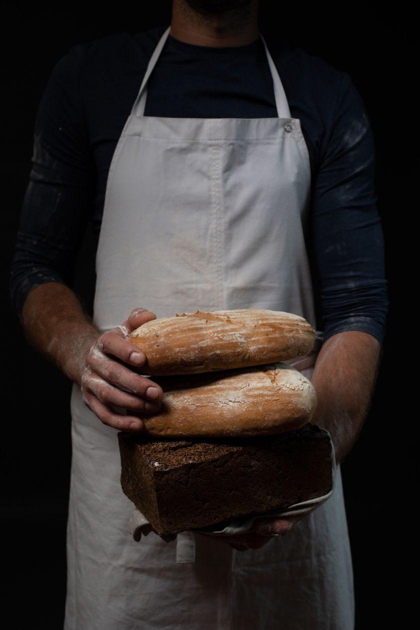 Mitybos ekspertas atskleidė, kokio vieno ingrediento pamirštame ieškoti duonoje