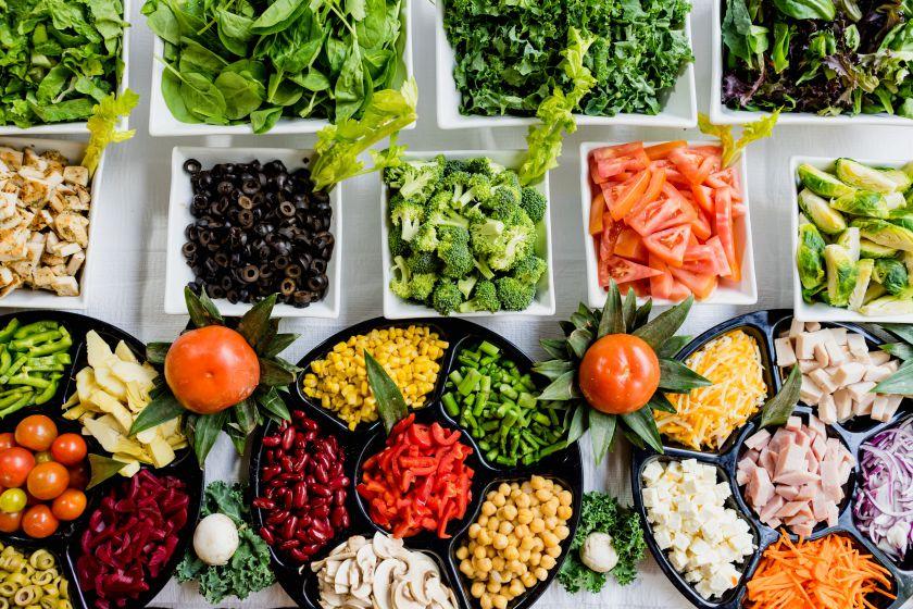 Maistas prieš miegą: 6 patarimai, ką valgyti ir ko vengti