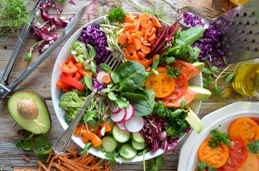 4 priežastys, kodėl verta valgyti daržoves ir vaisius, net jei to ir nenorite