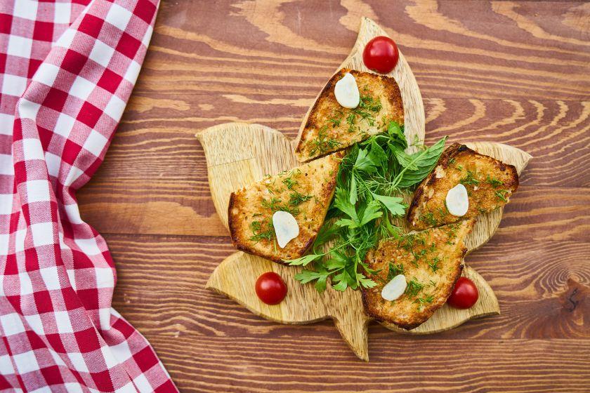 Kepta duona: ar lietuvių pamėgtas užkandis gali būti sveikas?