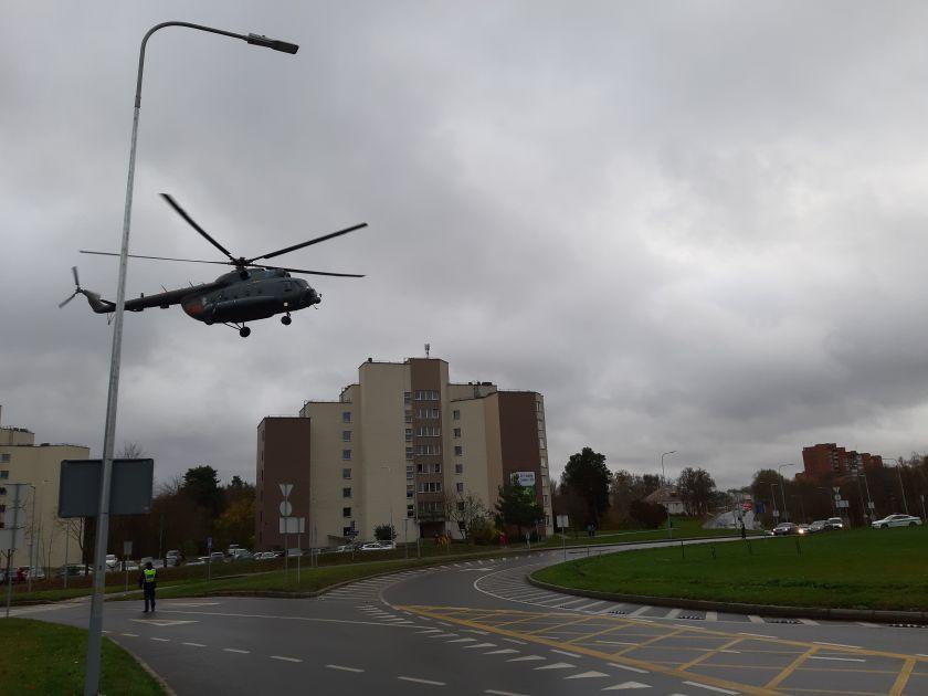 Santaros klinikose transplantuojamos kepenys iš Latvijos - į Lietuvą jos atgabentos sraigtasparniu