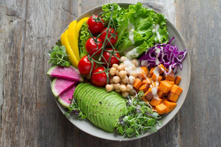 Subalansuota mityba: kokių produktų turėtų būti mūsų kasdienėje mityboje ir ko reikėtų vengti?