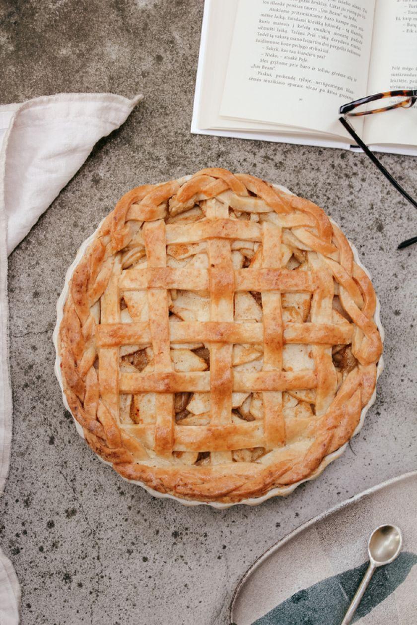 """Gaminame iš obuolių: trys netikėti tinklaraštininkės """"Pusryčiams"""" receptai"""